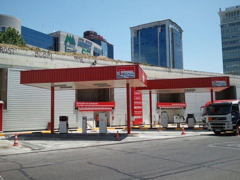 marquesinas especiales metalicas - gasolineras cubiertas para gradas de campos de futbol cubiertas para campos de golf peajes pasillos peatonales